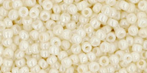 TOHO Rocailles 11/0 (#122) Opaque-Lustered Navajo White